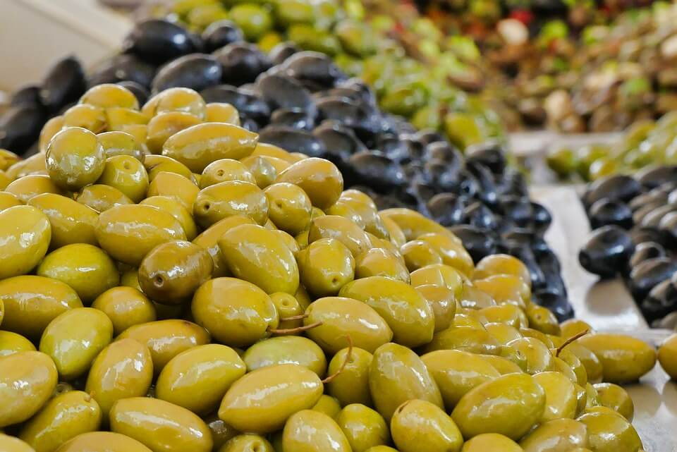 Green Olives as Alternative to Capers