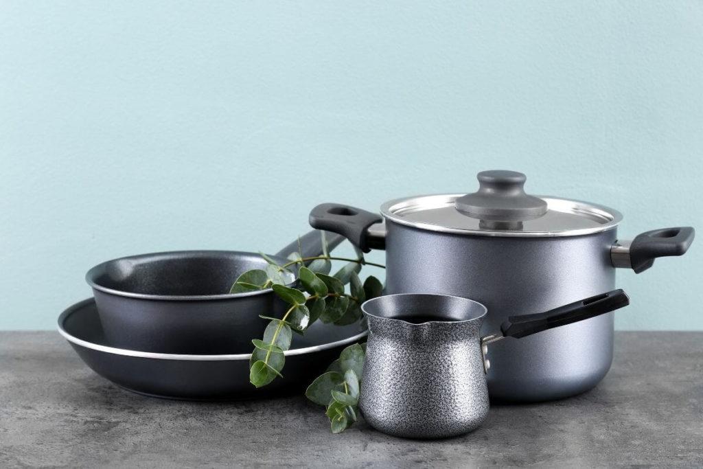 Metallic Cookware