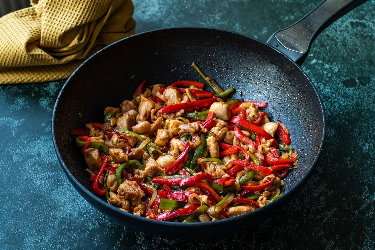 Frying Szechuan Chicken