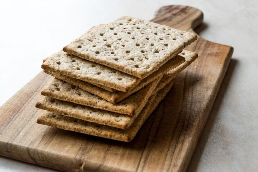 Crackers - foods that start with C