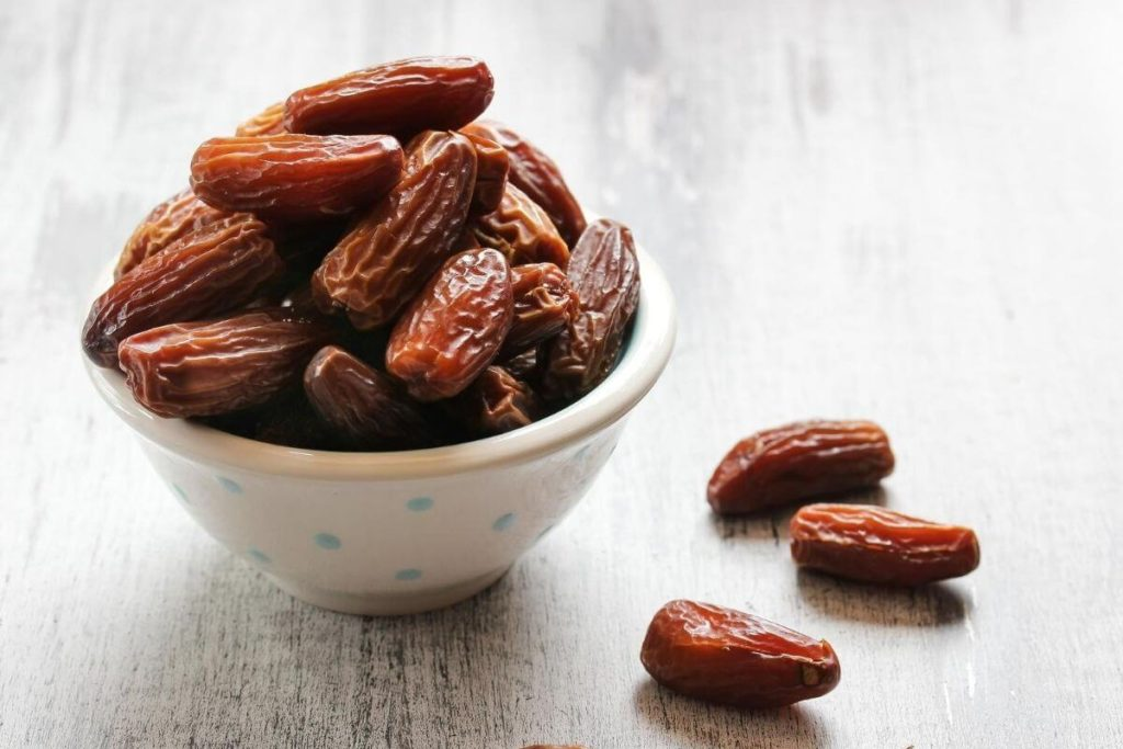 Dates - Foods that start with D