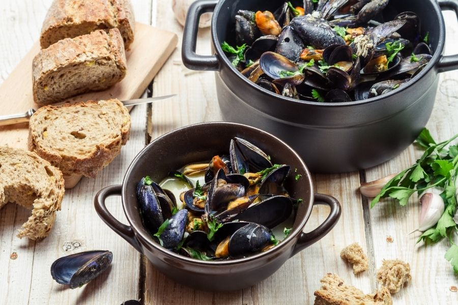 What To Serve With Mussels