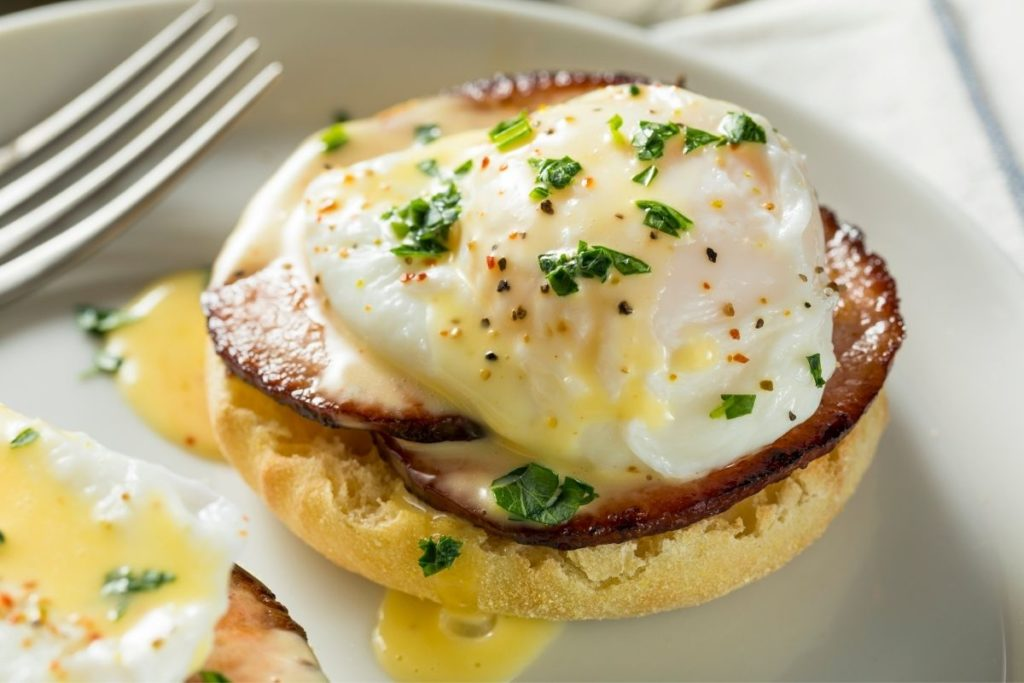 Best Sides to Serve with Eggs Benedict