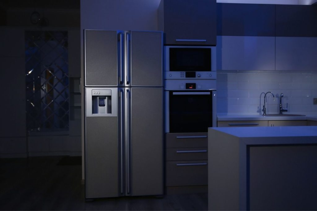 Does Unplugging A Refrigerator Damage It