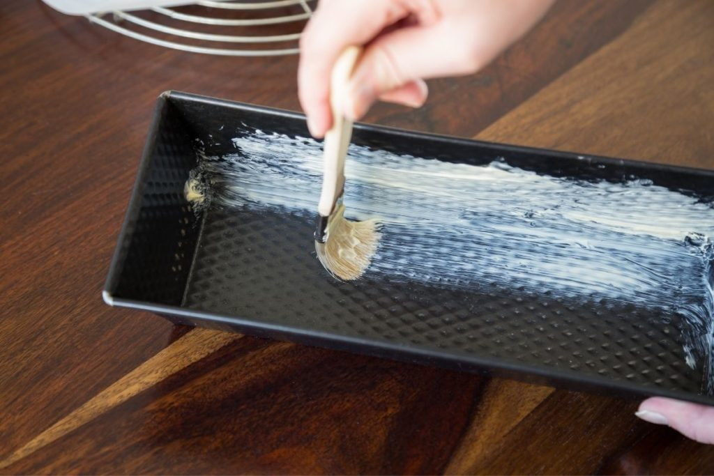 Greased Pan - Parchment Paper Substitutes