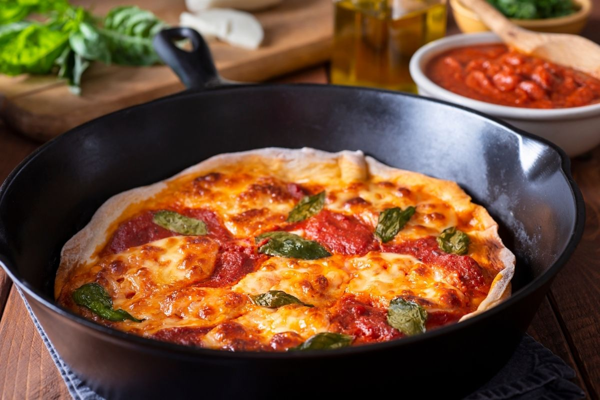 How to Reheat Pizza on a Skillet