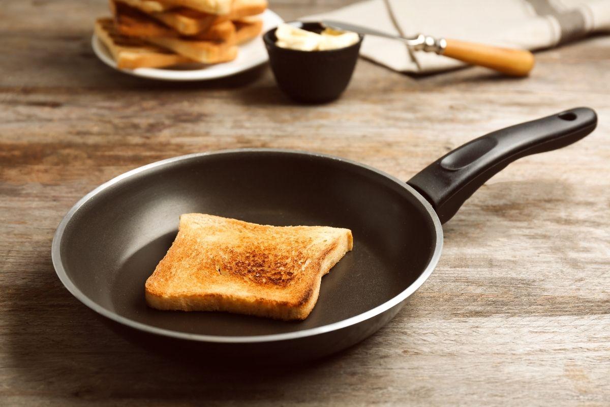 Reheat Bread on a Pan