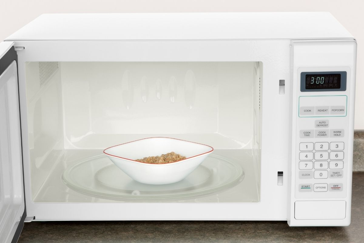 Reheat Oatmeal in the Microwave