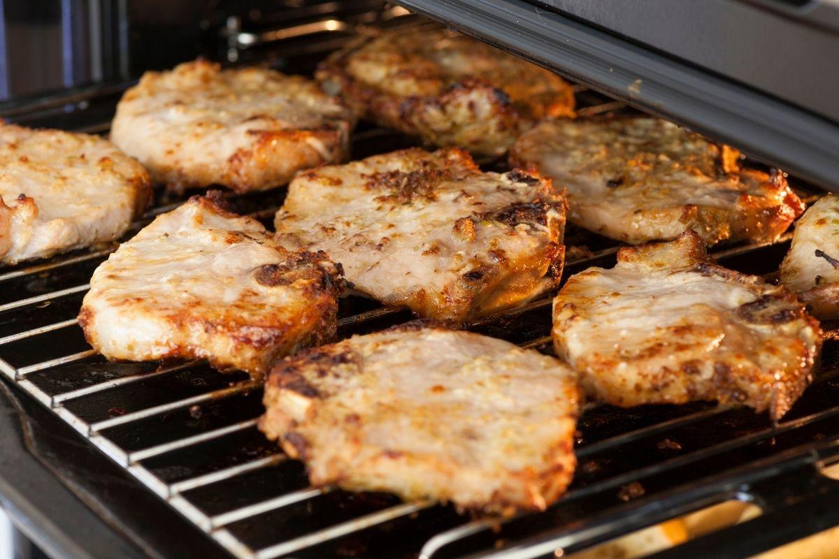 Reheat Pork Chops Using Oven