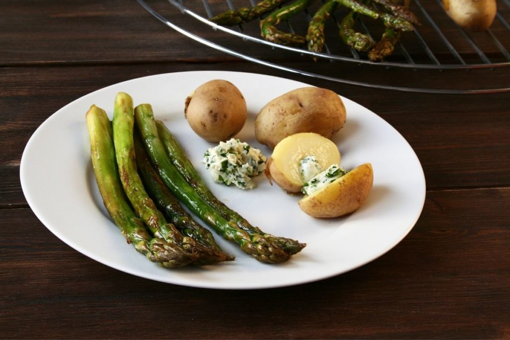 Grilled Asparagus - Side Dishes For Chicken Alfredo