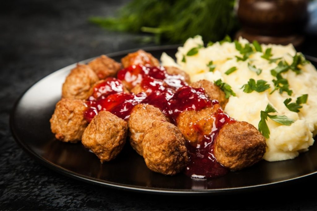 Mashed Potatoes - What to serve with Meatballs