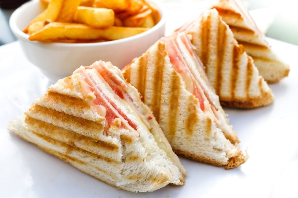Sandwich - What To Eat With Chicken Noodle Soup