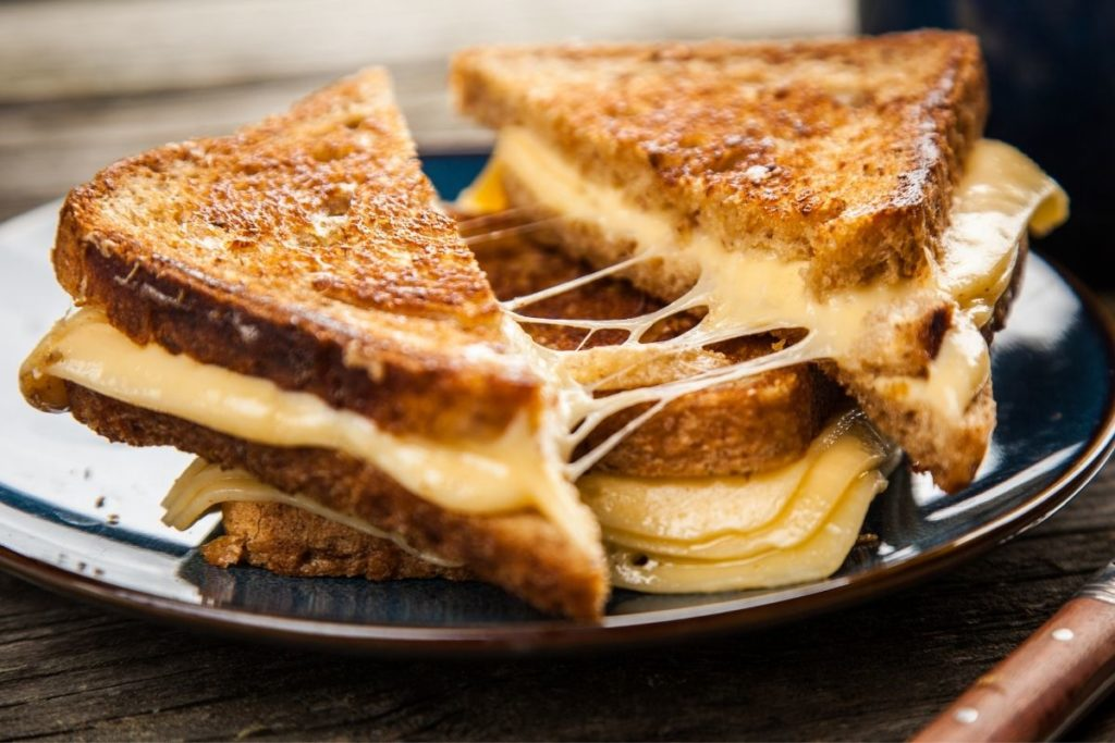 What Goes With Grilled Cheese
