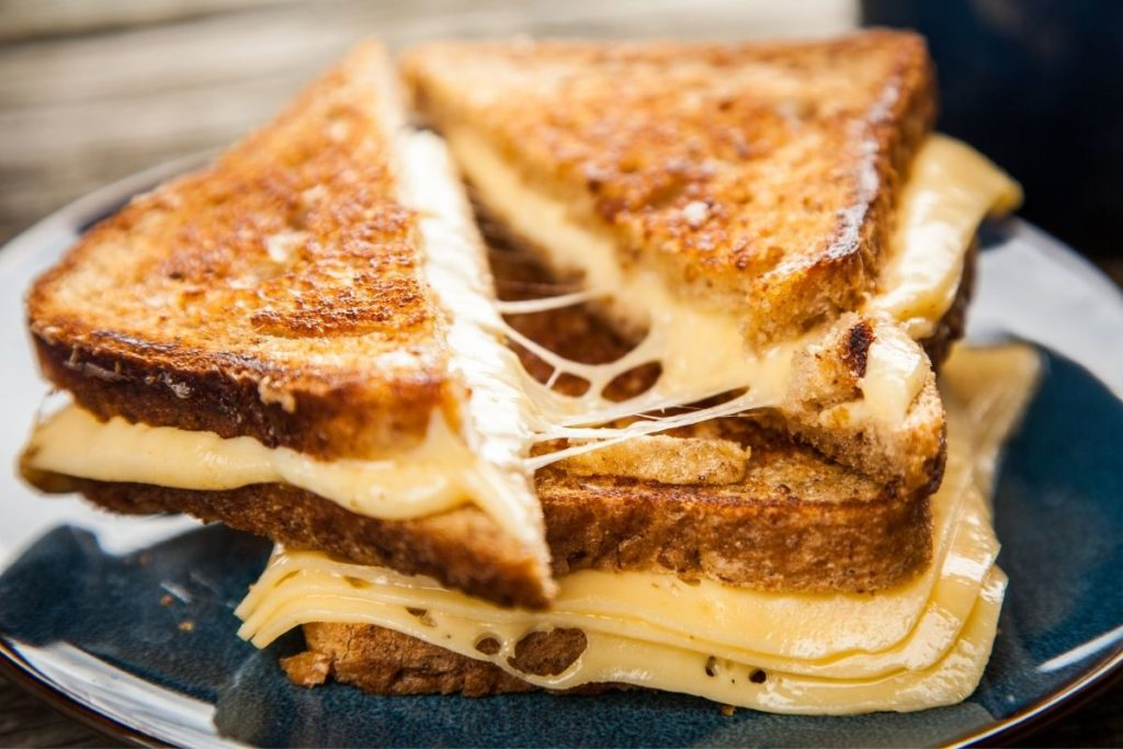 Grilled Cheese - What To Eat With Tomato Soup