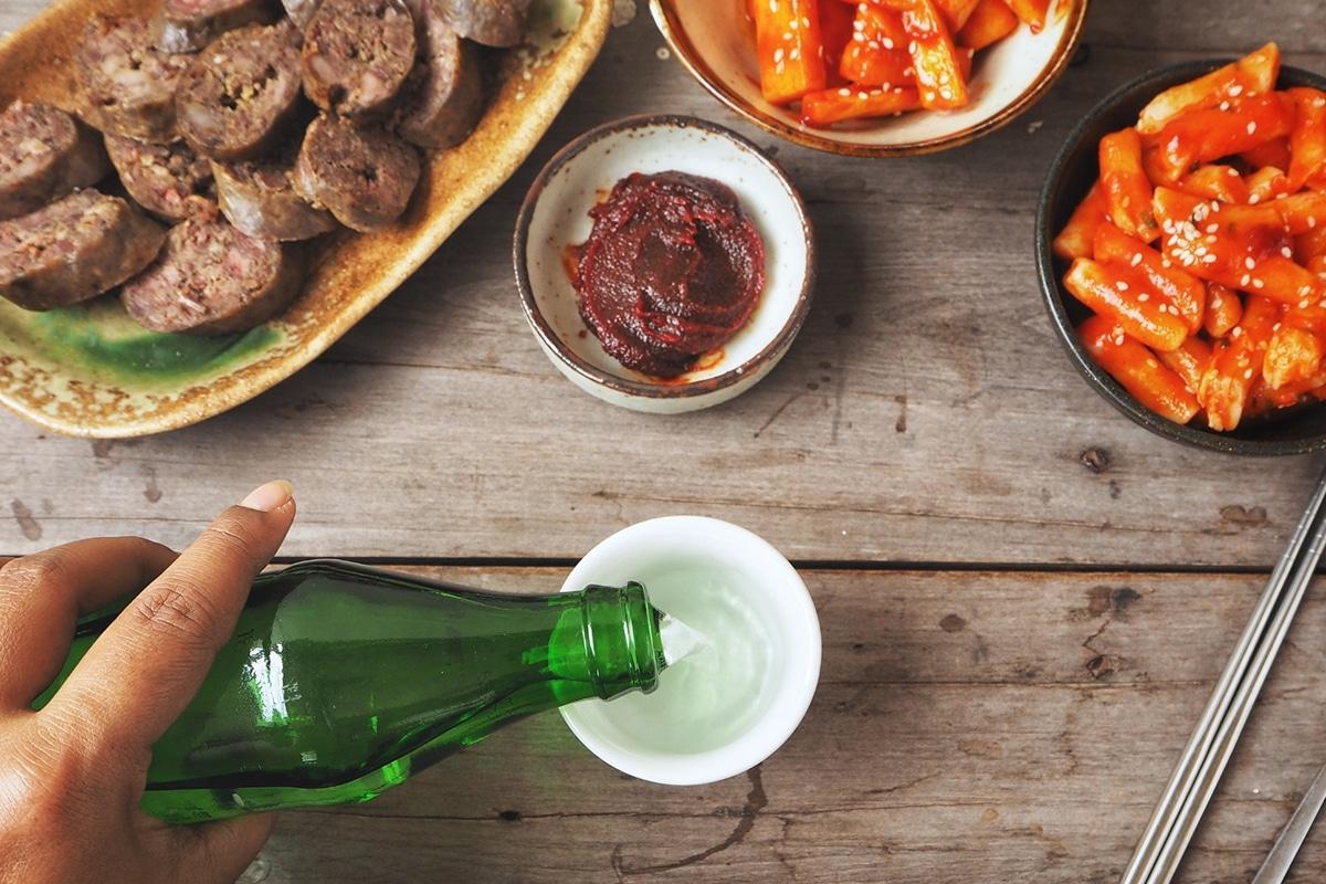 How to drink Soju